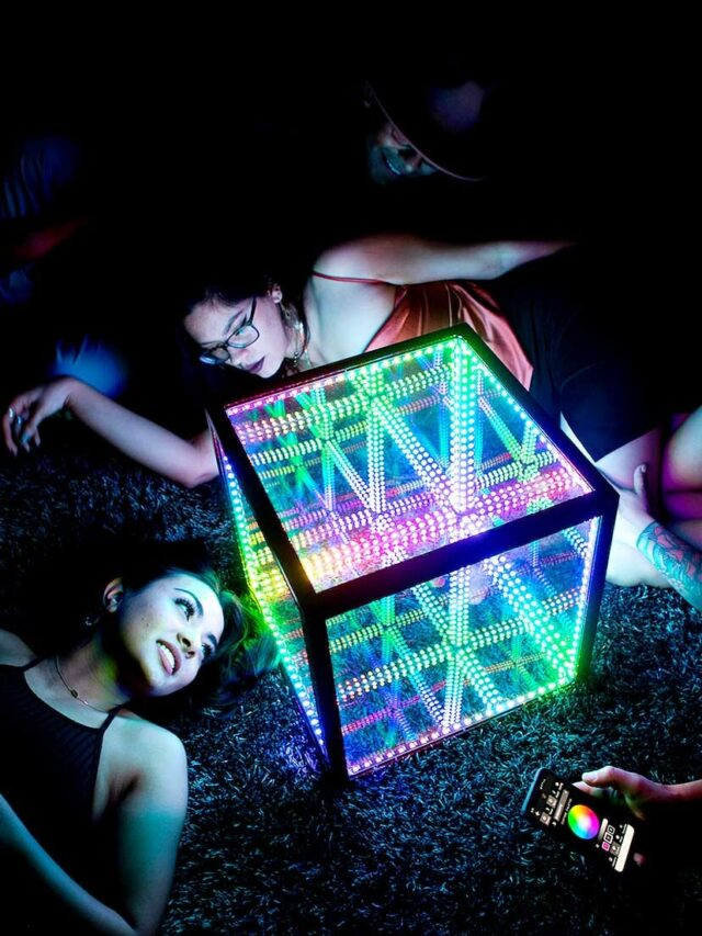 The Hyper Cube – Hyperspace Lighting